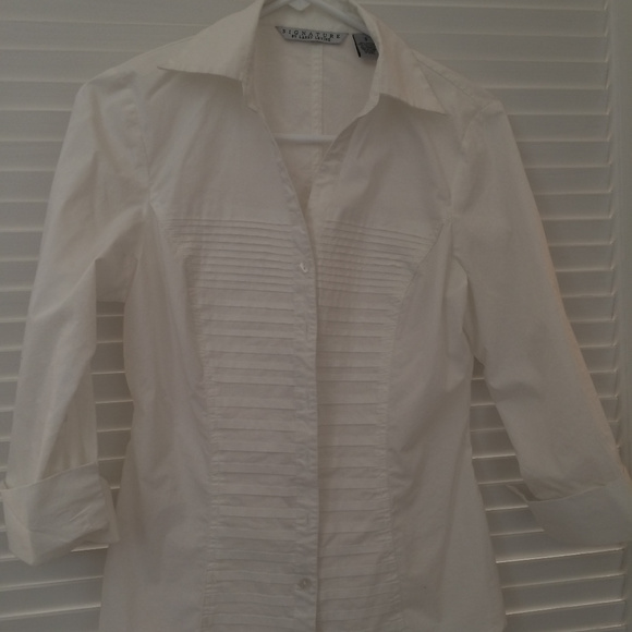 Signature by Larry Levine Tops - Office Wear! White Tailored Blouse w/ Pleats, S